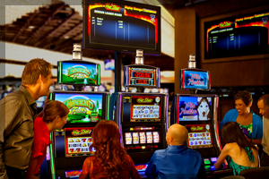 how does a casino slot tournament work